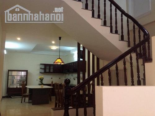 Cho thuê nhà ngõ phố Trung Kính 70m2x5T MT:5m giá 30tr/tháng